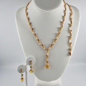 Jewelry set by Avon